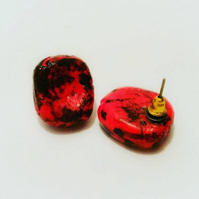Black red ear studs