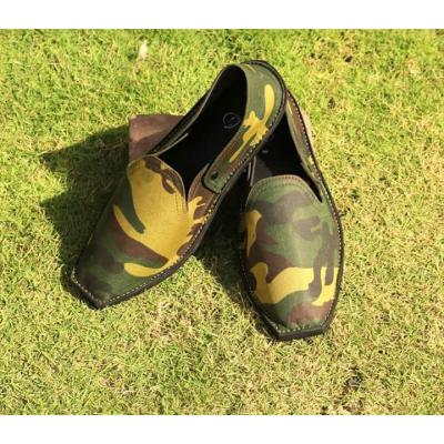 Army style men pumps