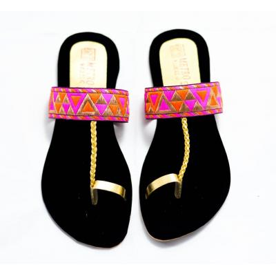 THread Work Kolapuri Chappal