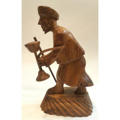 WOODEN OLD MAN STATUE WITH HOOKAH
