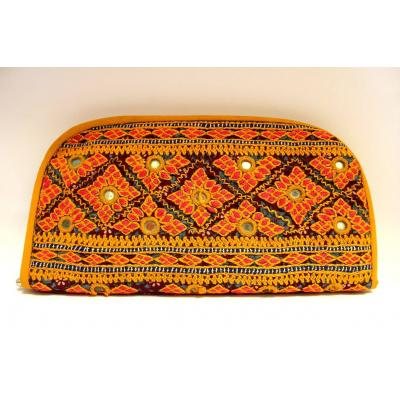 Embroidery Clutch yellow & red