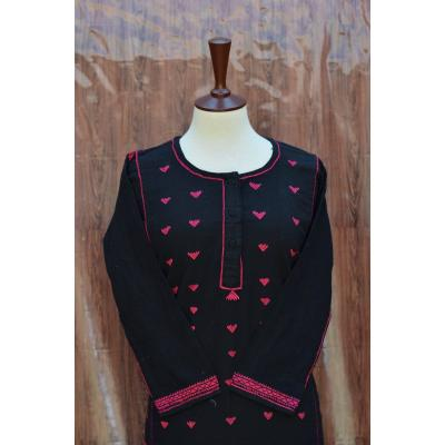 black and pink embroidered pret
