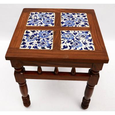 Table with tile work