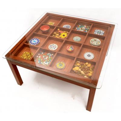 table with blocks n pebbles