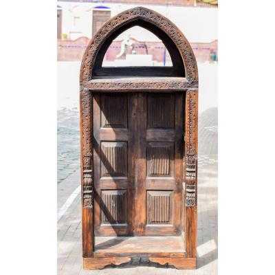 Multipurpose cabinet with beautiful side boarder